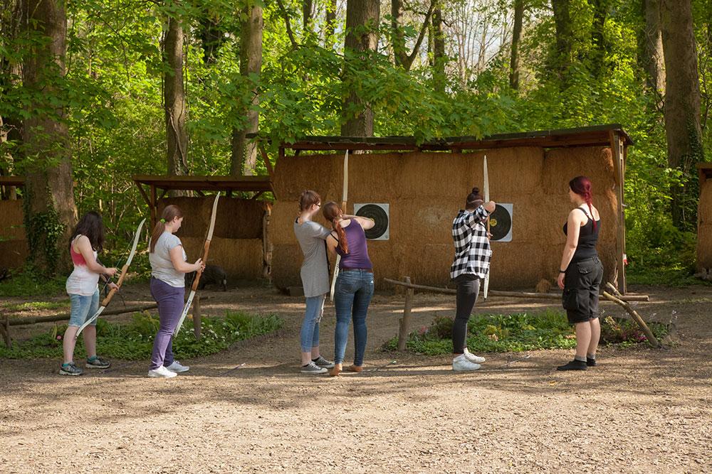 Pfeil und BogenWelt Dortmund, Bogenschießen lernen mit Jugendlichen