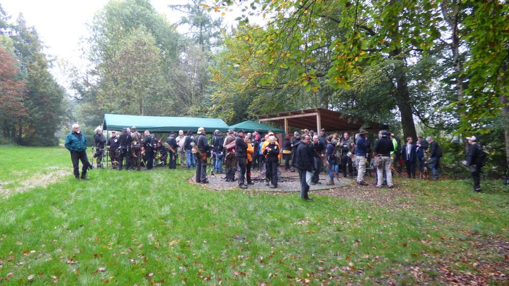 Bogenschießen Herbstturnier Teilnehmer an der Burg Husen